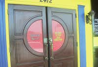 The front doors of the new Fuzzy's Taco Shop at 2412 S. Interstate 35E frontage road in Denton.Karina Ramírez - DRC