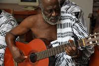 Ghanaian folk musician Koo Nimo performs tonight at UNT on the Square. Nimo, who is a guest artist and scholar of the University of North Texas College of Music, will perform after a gallery talk by Denton fiber artist Elise Ridenour.Courtesy photo